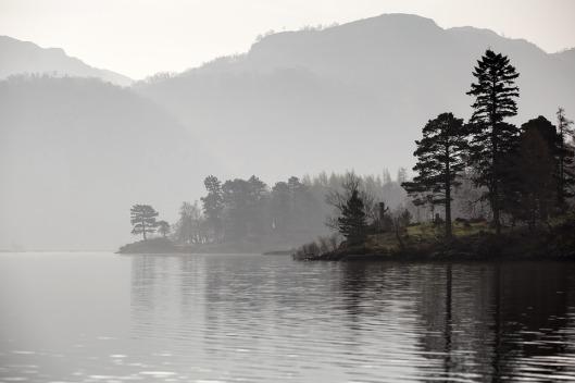 lake-1203478_960_720