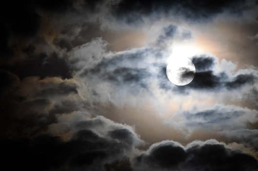 full-moon-595654_960_720