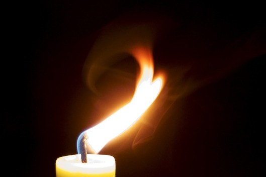 candle-929028_960_720