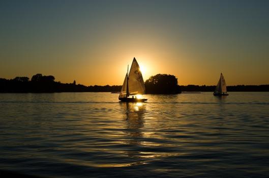 sailing-boats-384671_960_720